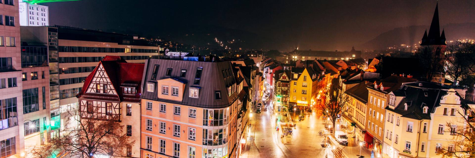 Laser über Johannisplatz der Tagungsstadt Jena zum Event Lange Nacht der Wissenschaften