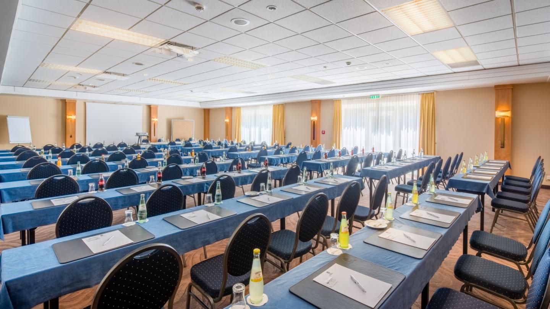 Tagungsraum mit parlamentarischer Bestuhlung © Best Western Hotel Jena, Foto: Florian Busch
