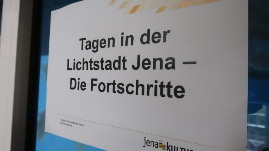 Türschild mit Thema der Kick-off Veranstaltung © JenaKultur, Foto: Jenny Marx