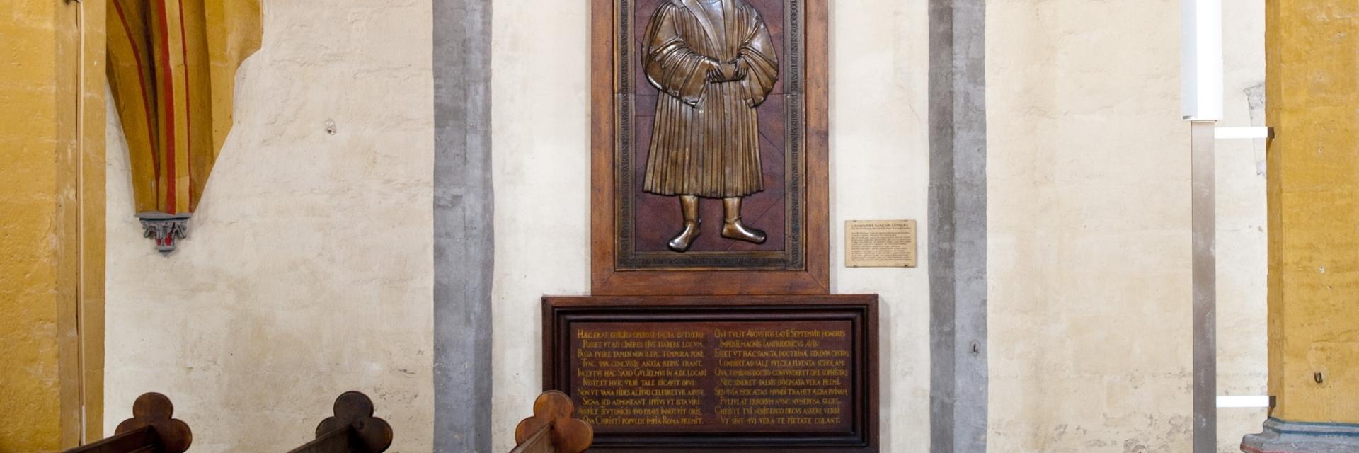 Martin Luther und die Reformation in Jena / Grabplatte © JenaKultur, Foto: Andreas Hub
