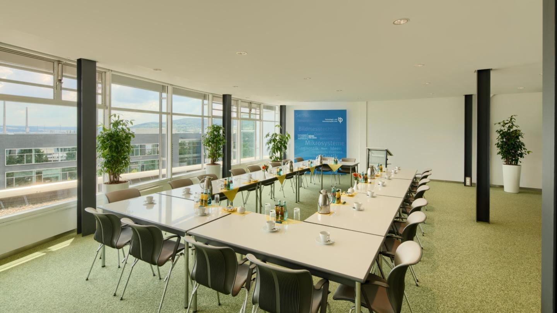 Konferenzraum 1 mit Kareebestuhlung © TIP Jena GmbH, Foto: Tino Sieland